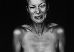 Suzanne, Amsterdam 1999, Silver gelatin print 120x180cm, Edition: AP I, Also available: 50x60cm, Edition of 7