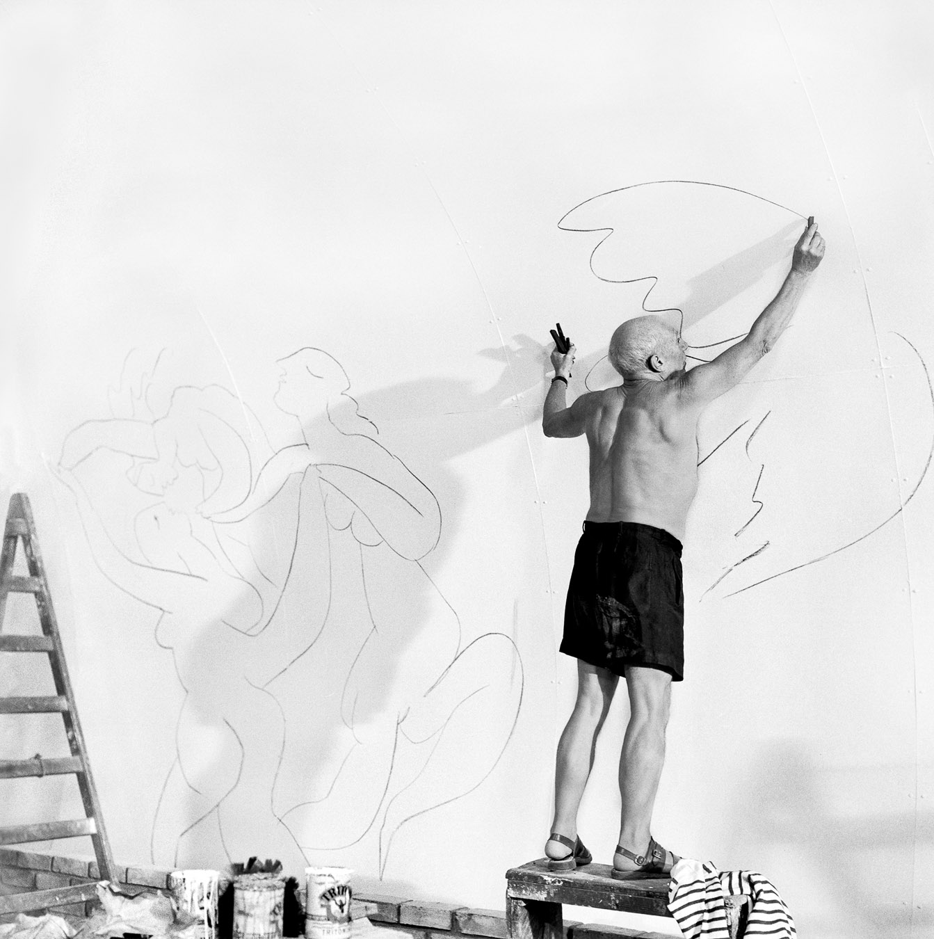 "Picasso working in the ""Chapelle de la Paix"", Vallauris 1953, Hahnemuhle Baryta FineArt Print 116x116cm, Edition of 3(+3AP's)"