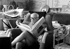 Picasso reading book on himself, Villa La Californie, Cannes 1961, Silver gelatin print 94x66cm